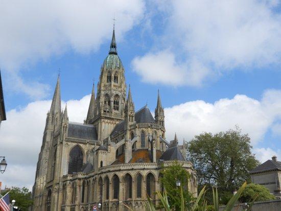 Cathedrale Notre-Dame: vue d'ensemble