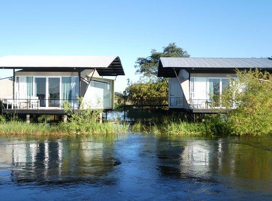 Zambezi Mubala Lodge: Die Lodge aus Sicht vom Fluss