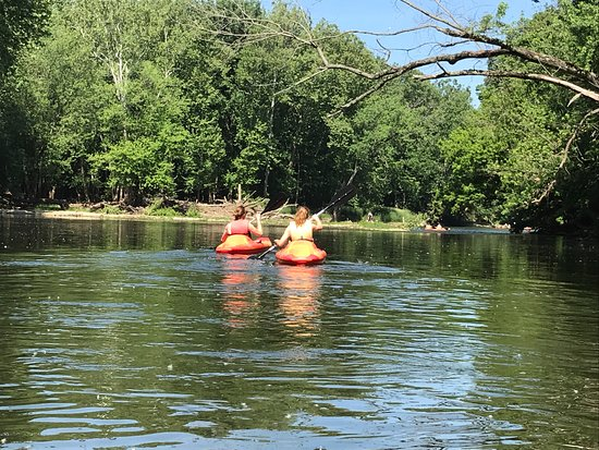 White River Canoe Company : Teenagers... not looking at their phones!