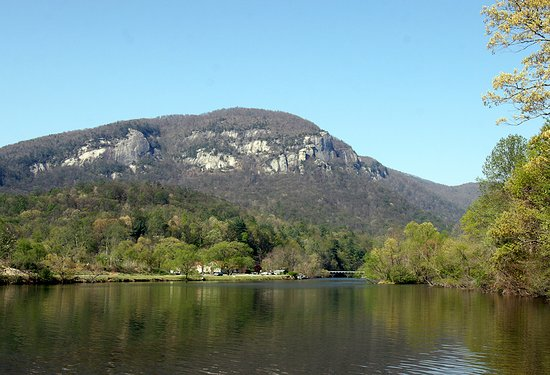 Pine Gables Cabins: This is the view from our dock on Lake Lure.