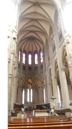 Cathedral of Mary Immaculate: Planta de la catedral