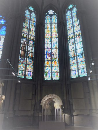 Cathedral of Mary Immaculate: Vidrieras