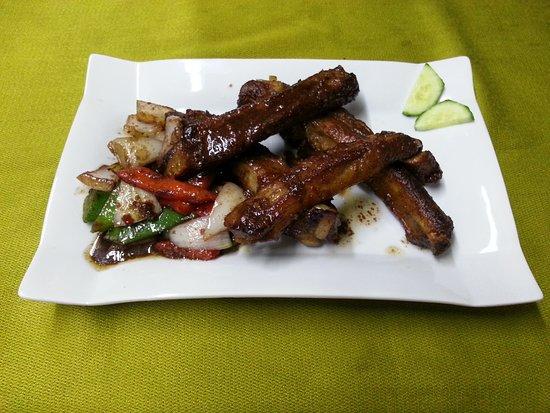 Hong Kong Restaurant Blanes: Costillas al Vino, Ajo y Chilli // Chilli Pepper & Spiced Salt Ribs