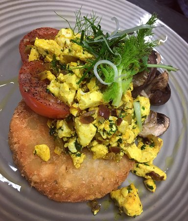 Upper West St: Vegan 'scrambled eggs' with a potato rosti, tomatoes and mushrooms