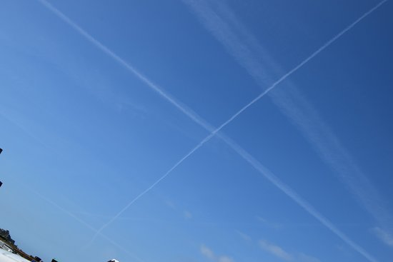 Elizabeth Castle: Saltire in the sky above the castle, did they know the Scots were coming?