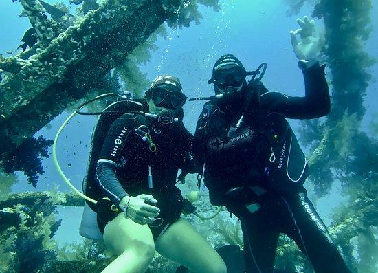 Ocean College Dive Centre: Enjoying the wreck!