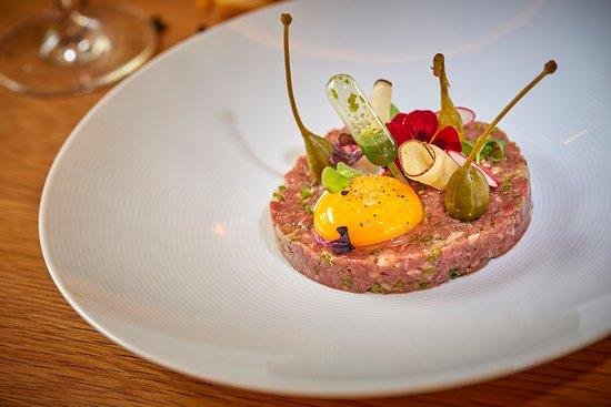 M House Café Bistró: Steak Tartar