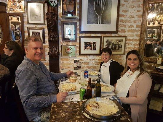 Famiglia Mancini: Opaaaa Chegou a comida !!!