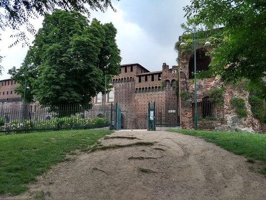 Castello Sforzesco: Ingresso Parco sempione