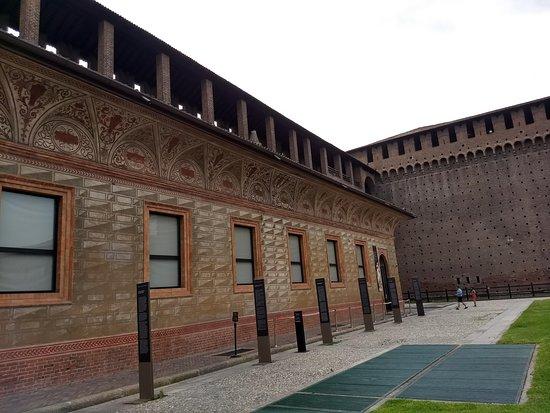 Castello Sforzesco: Mura