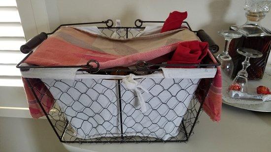 Monte Verde Inn: Breakfast basket!