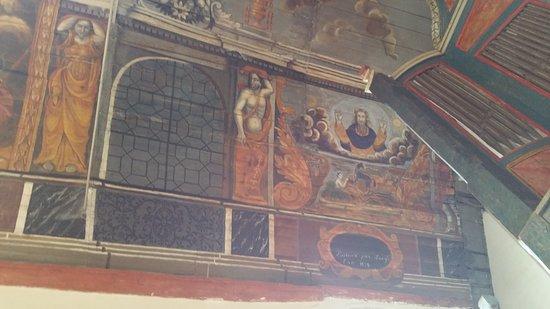 Chapelle de Sainte-Suzanne: Dio e genesi