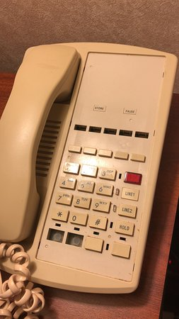 Trevose, بنسيلفانيا: Phone with no information and most of the buttons missing.