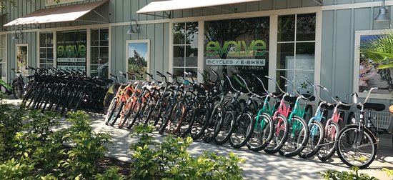 Celebration, FL: Outside Evolve Bicycles & E-Bikes