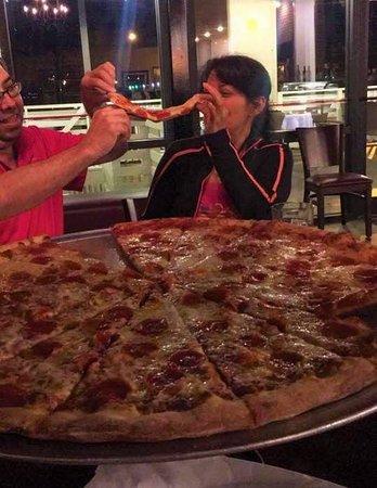 Russos New York Pizzeria: Russo's New York Pizzeria