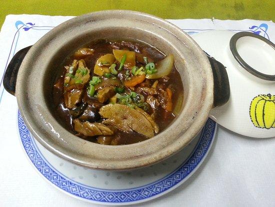 Hong Kong Restaurant Blanes : Pato con salsa de Soja especial del Chef // Roast Duck with Chef's special Soya Sauce