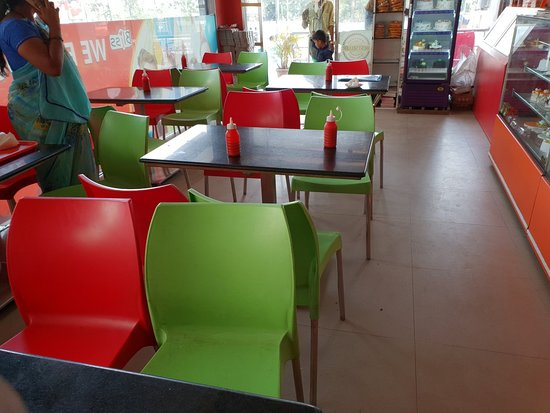 Bliss Bakers & Confectioners: Seating