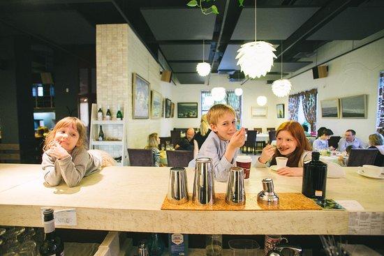 Garden Gourment Cafe: Довольные гости)