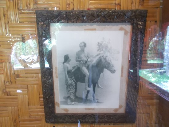 Le Mayeur Museum: A photo of him & his wife (displayed in their bedroom)