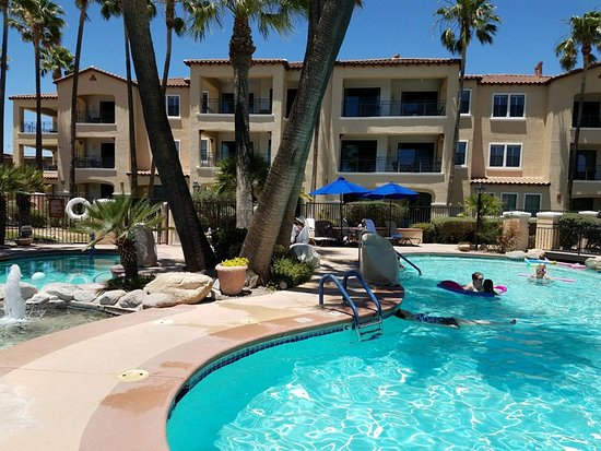 Wyndham Green Valley Canoa Ranch Resort: Pretty pool with natural landscaping all around