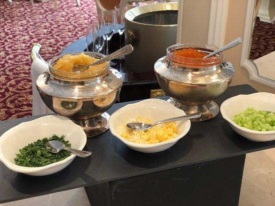 เดอะสเตท เฮอร์มิเทจ มิวเซี่ยม ออฟฟิเชียล โฮเต็ล: Caviar Breakfast