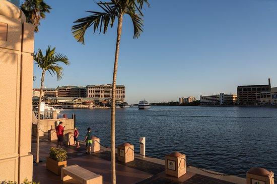 写真The Sail Pavilion on the Riverwalk枚