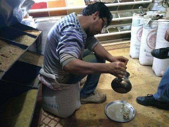 Trilho Salama Day Tours: famoso chá de menta de boas vindas!