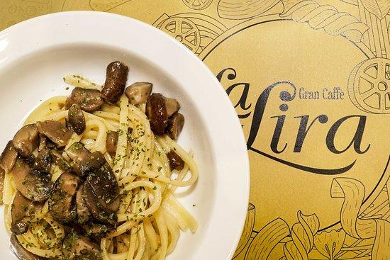 Gran Caffe La Lira: Fettuccine ai funghi