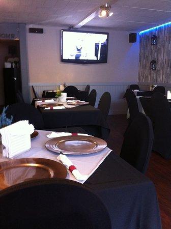 A J Polish American Restaurant Und Deli Upscale Decor In Dining Room