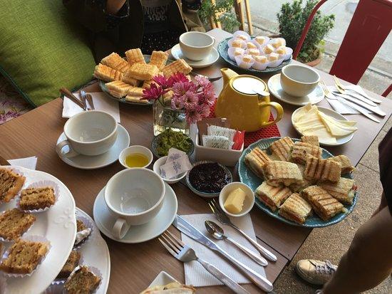 Café Marmota : nuestro exquisito sandwich de cerdo, queso azul y peras caramelizadas