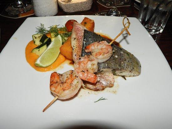 Gouverneur de Rouville : Trio of fish