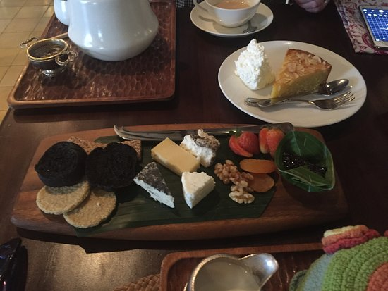 Biku Cafe: Local Cheese Plate