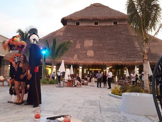 Chic Cabaret & Restaurant : terraza