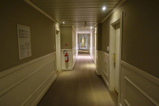 c-hotels Ambasciatori: /_/_/_/_/_/_/_/ 2018.3 撮影 ホテルの廊下
