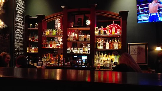 Emmett O'Lunney's Irish Pub: interior del bar