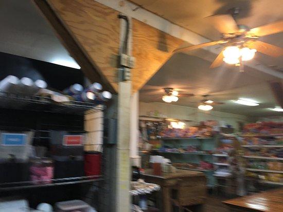 Cherokee Grocery: Inside