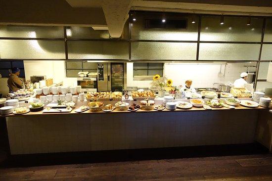 c-hotels Ambasciatori: /_/_/_/_/_/_/_/ 2018.3 撮影 B1の朝食レストラン