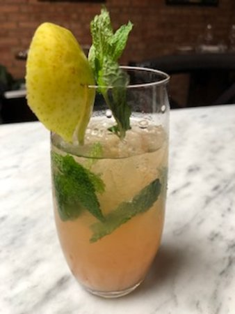 Williamstown, MA: Signature Pear Mojito