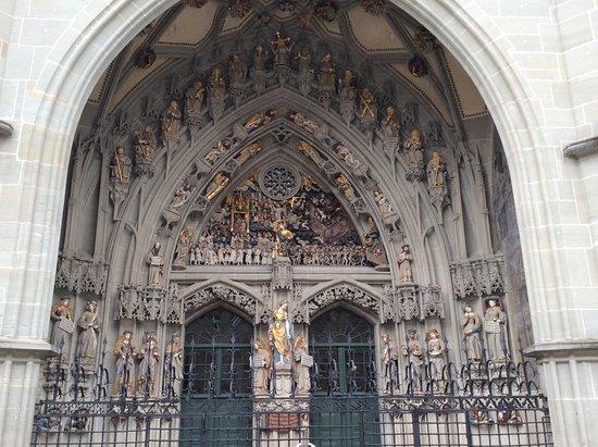 Berner Münster: Portal do Juízo Final