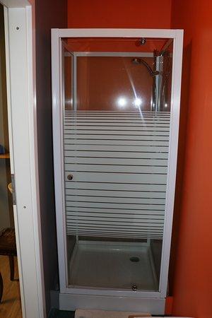 Hlemmur Square: Shower stall opposite toilet