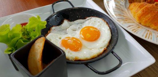 Anantara Layan PhuketResort: Breakfast