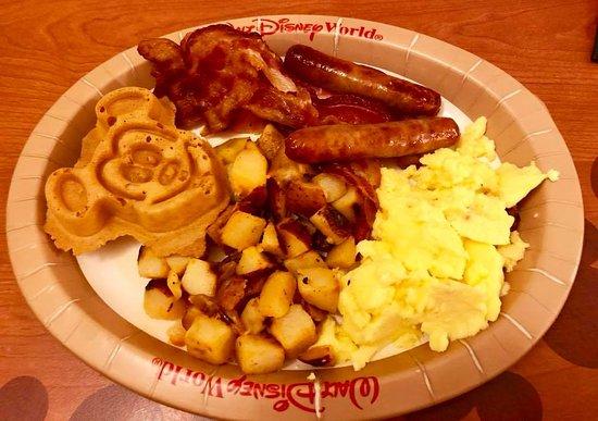 Disney's All-Star Movies Resort: The breakfast