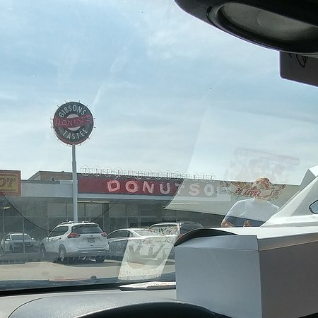 Gibson's Donuts Photo