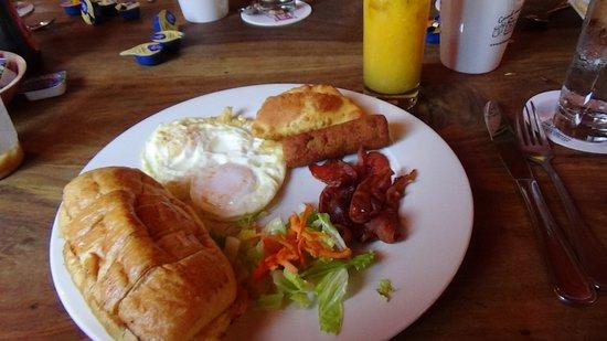 Salt & Pepper: Croissant Breakfast!