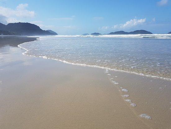 Juquehy Beach: Praia de Juquehy pela manhã