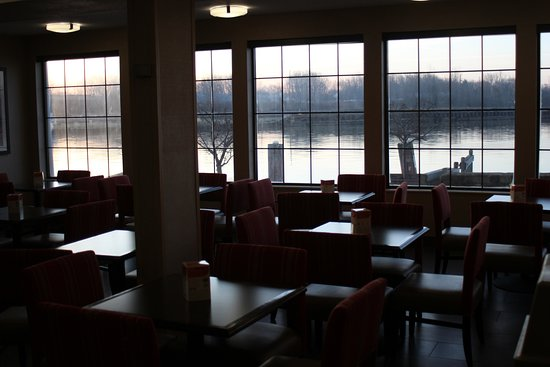 Comfort Inn River's Edge: View from breakfast room