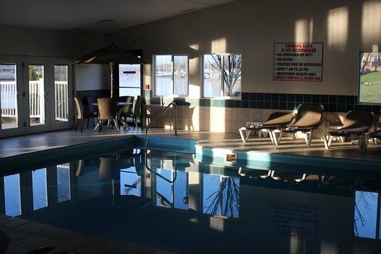 Comfort Inn River's Edge: Pool