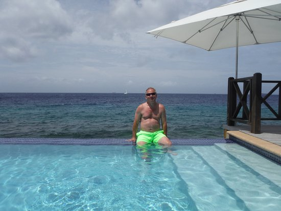 Scuba Lodge & Suites: The infinity pool