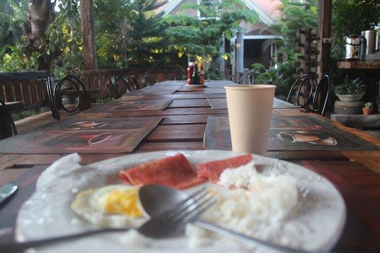 Capas, Filippinene: breakfast