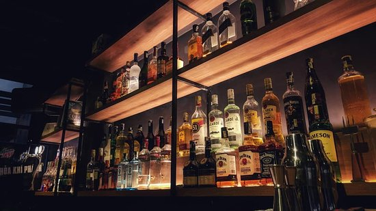 Den The Bar : Liquors liquors liquors. No worry, we won't let you go down on yourself.
